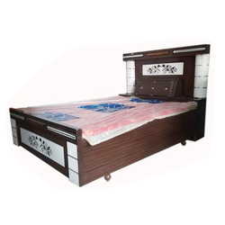 SS Furniture Modern Designer Teak Wood Double Bed, Size: 6.25 x 4.4 feet