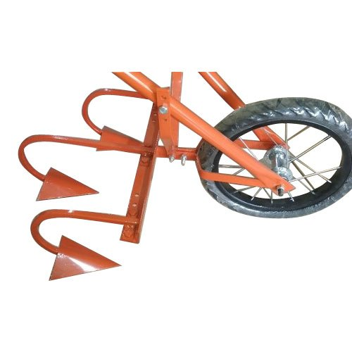 Wheel Hoe Weeder 3 Tine, For Agriculture, Model Number: Ns0017