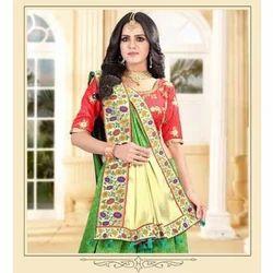 Party Wear Jacquard Saree, 5.5 m (separate blouse piece)