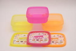 Snacky (Plastic Food Containers )