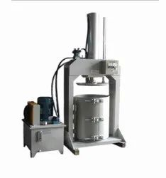Microtech Engineering Semi Automatic Silicon Sealant Making Machine, Production Capacity: Standard