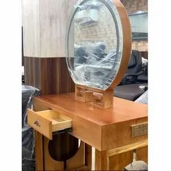 Wooden Oval Mirror Station