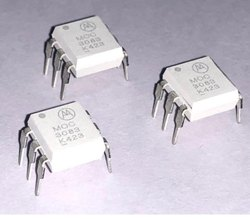 MOC3083M - MOTOROLA OptoCouplers