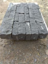 Black Rundle Ledgestone Veneer