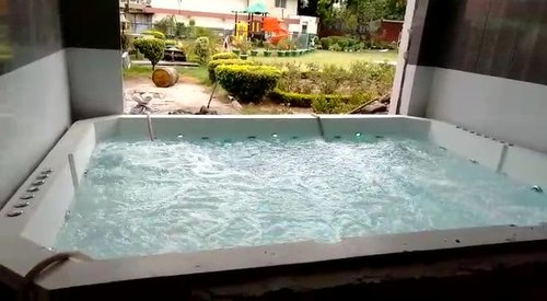3200 X 2250 X 850 Mm Jacuzzi Pool