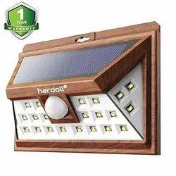 24 LED Solar Sensor Light (Wood Finish)