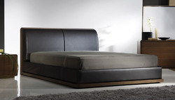 Drake Leather Bed