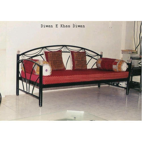 Living Room Designer Diwan Size 72 X 30 Inch Rs 5500 00 Piece Yash Fabricators Id 20362213897