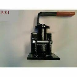 Iron Twist Lock Container