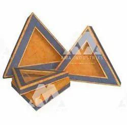 Paper Non Brand Triangle Shape Boxes
