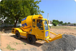 Self Loading Concrete Mixer for Construction