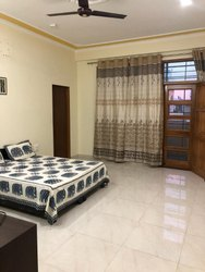 AC Double Bed Room for Women PG Accommodation Services