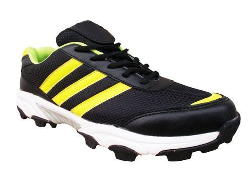 1e87981090da Port Scoda Black Cricket Stud Sports Shoes For Men