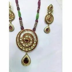 Kundan Traditional Pendant Set