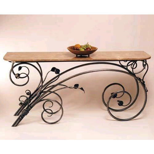 Merveilleux Decorative Wrought Iron Table