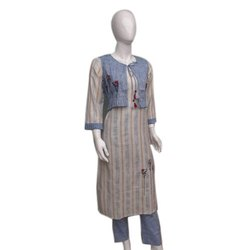 Casual Wear 3/4th Sleeve Ladies Trendy Cotton Kurti, Size: S-Xxl, Wash Care: Machine Wash