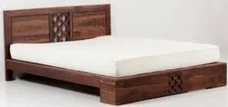 Multicolor Wooden Double Bed, Size: King Size