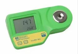 Digital Milwaukee Refractometer