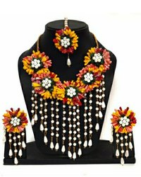 Multicolor Haldi Jewellery Set For Engagement Ceremony
