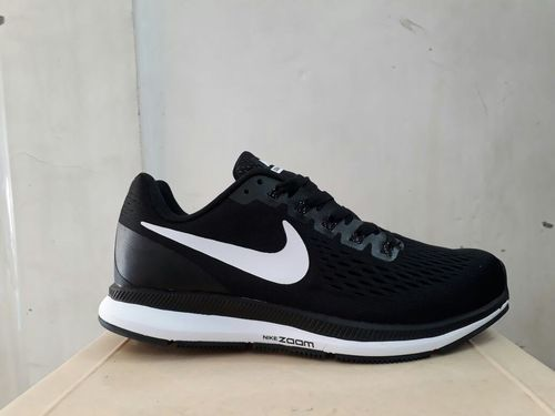 cheap for discount 45818 e7c64 Men Black Nike Shoes