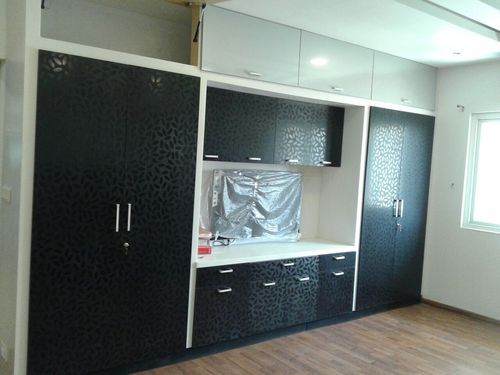 Door Colors Wardrobe At Rs 1400 Square Feet Bedroom
