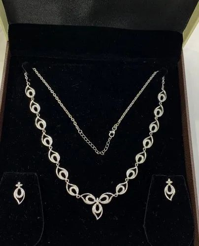 Ladies Party Wear Silver Necklace Set, Packaging Type: Led Jewellery Box