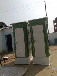 Dual Toilet Cabin