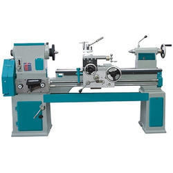 Center Lathe Machine, Bed Length: 2100-12000 mm