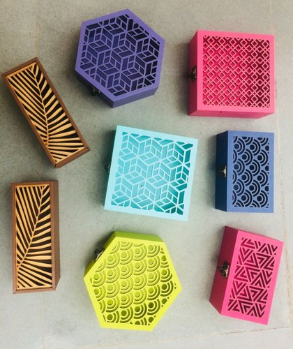 Manufacturer colored Wooden Handcrafted Boxes