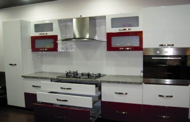 Charmant Modern Kitchen With Membrane Glossy Finish