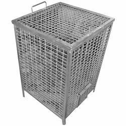 Silver SS Vegetable Storage Bin, Capacity: 15 - 20 Kg, Size: 900 X 600 X 850 Mm