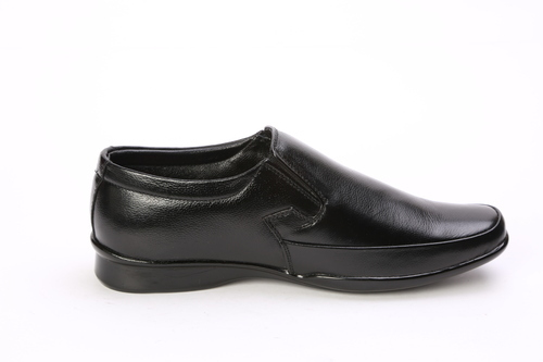 a555d78176209 Men Black Leather Shoes, Size: 6 To 10, Rs 900 /pair, Milan Safety ...