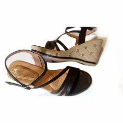 Casual Gomti Black Platform Heel Sandal