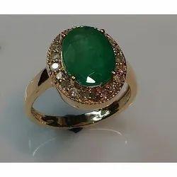 LE Green Oval Emerald Diamond Ring