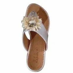 Casual Wear Ladies V Shape Flat Slipper, Size: 7-12