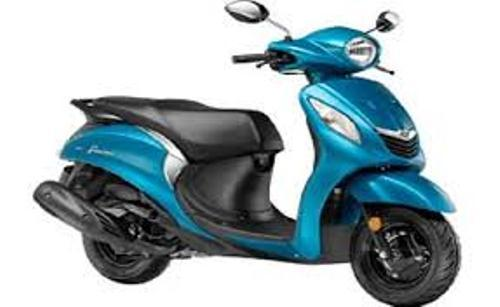 blue and white yamaha fascino scooters rs 56282 piece dolphin overseas id 10005831797. Black Bedroom Furniture Sets. Home Design Ideas