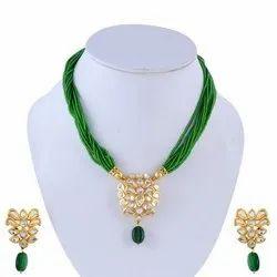 beadsnfashion Assorted Kundan Necklace Set