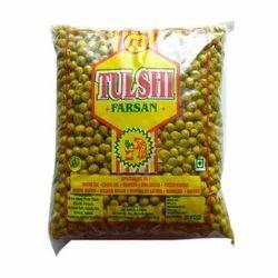 Tulshi Farsan Crispy  Green Matar Namkeen, 1 kg, Packaging Type: Packet
