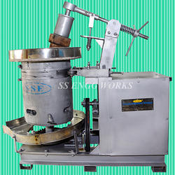 Semi Automatic Oil Extraction Machine