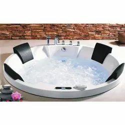 Fantasy Exuding Mystique Round Bath Tub