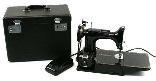 Singer Sewing Machine - Singer Futura XL 400 Sewing Machine