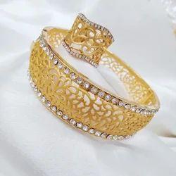 Golden Ladies Ring, Packaging Type: Box