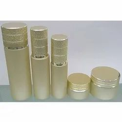 Minerals Cream, Paste and Gel Gold Facial Kit, Features: 6 Months