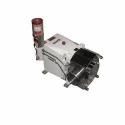 Chocolate transfer pump