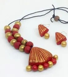 Red, Gold Necklace And Earrings Terracotta Jewellery, Size: Free