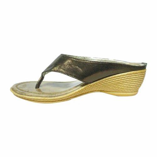 3675e925e0d Women Glossy Wedges Sandal