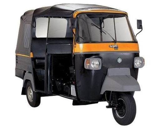 Piaggio Ape Xtra Dlx Cng Auto Rickshaw And Piaggio Ape Xtra Dlx Lpg