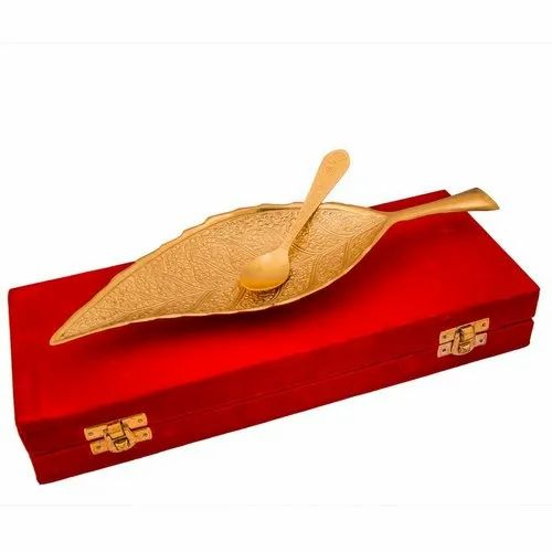 Gold Brass Shadi ka Uphaar, For Gift,Daily Use, Packaging Type: Red Velvet Box