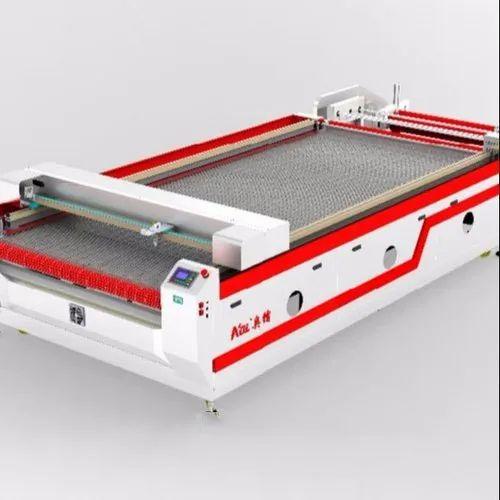Fiber Laser Cutting Machine with Auto Feeding