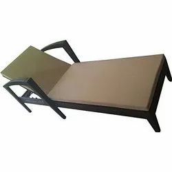 Universal Furniture Outdoor Sun Bed Lounger Chair